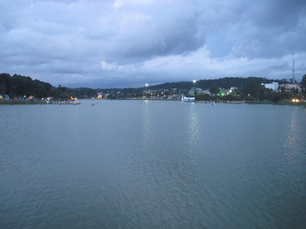 Озеро Сюан Хыанг